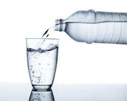 Study reveals dehydrated drivers commit same mistakes as drunk drivers